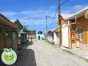 Calle principal de Sambo Creek, Honduras