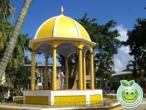 Kiosco del parque central de Tela Honduras